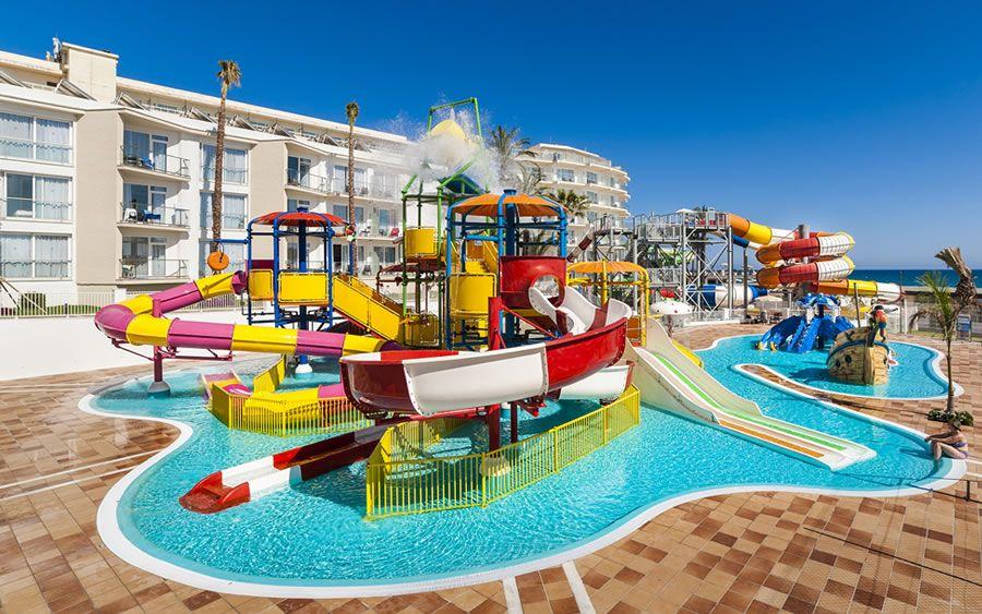 globales-playa-estepona-water-park-infantil.jpg